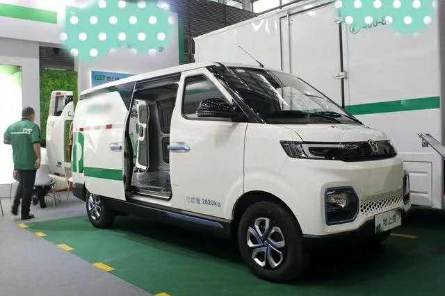 新能源面包车出租